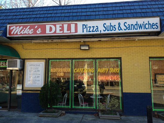 Mike's Deli: Front Door