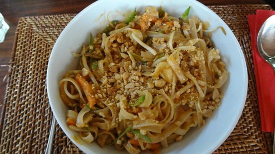 DA BU DA Asian Fusion and Bar : Pad Thai Lunch Special
