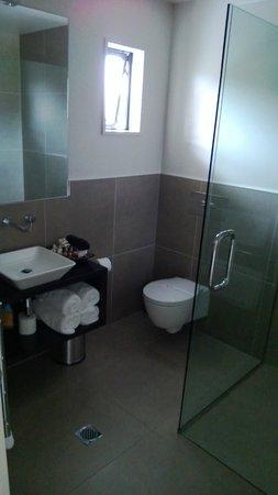 The St James : bathroom