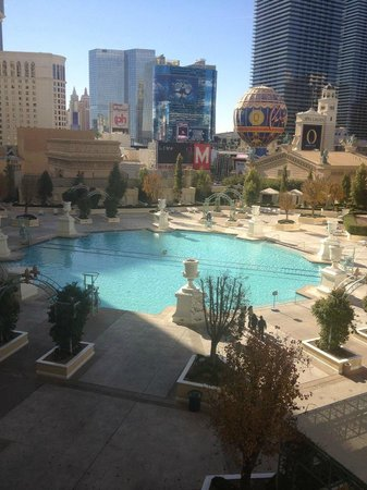 Paris Las Vegas: View of pool from our room