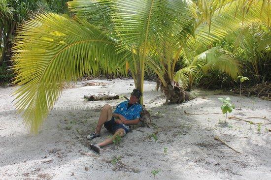Kia Orana: time for an island nap