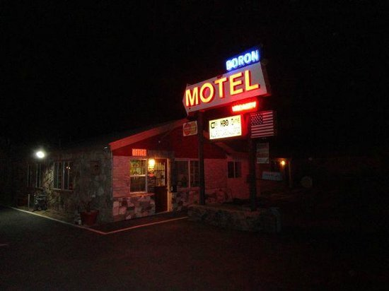 Boron Motel: Sign