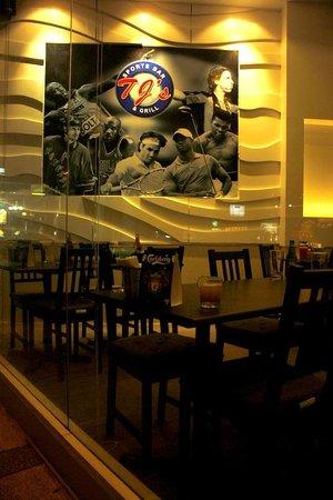 TJs Sports Bar & Grill