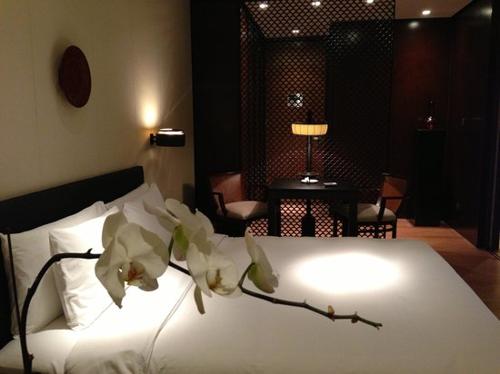 The PuLi Hotel and Spa: Bed grand room