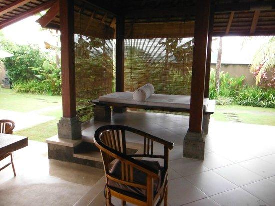 Villa Ayo : outdoor day bed