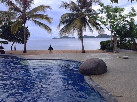 Bintang Flores Hotel: Beautiful pool & beach