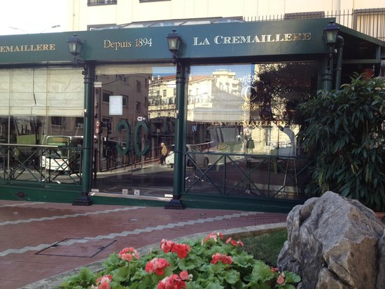 La Cremaillere: ресторан находится на площади Кремальер в Монте-Карло
