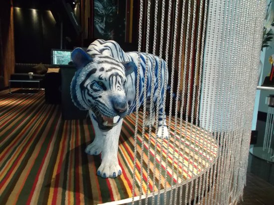 Dream Bangkok: Dining Room/Lounge Greeter :o)