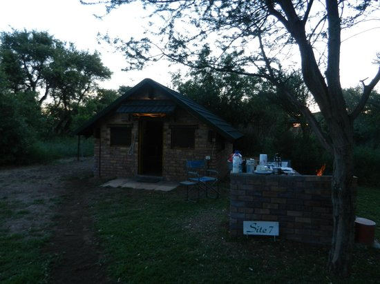 Woodlands Stop Over and Lodge: Site 7 is ideally sitated
