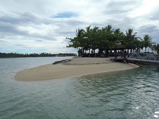 موسكيت كوف آيلاند ريزورت آند مارينا: Island Bar 