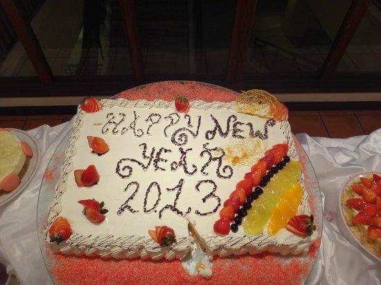 Club Med Kabira Beach: New Year's Cake