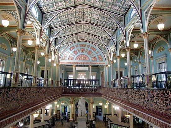 Bhau Daji Lad Museum: Stunning interior of the building
