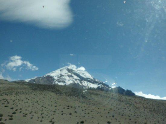 Hacienda Abraspungo: vista de volcanes desde las habitaciones superiores