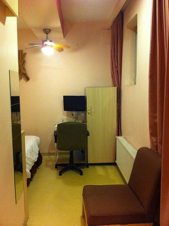 Han Hostel Airport North: Single room