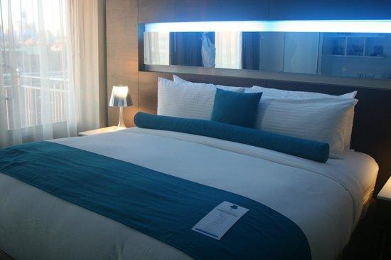 ホテル ル ブルー, 大きなベッド