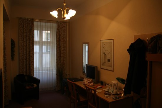 Hotel Graf Stadion : Our Deluxe Room