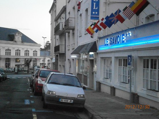 Hotel Louise de Savoie : Train station is white building at bottom of the street