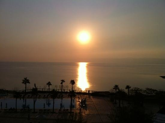 Holiday Inn Resort Dead Sea: sea view room
