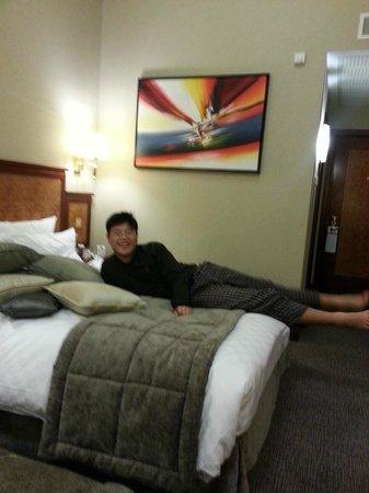 โรงแรมแกรนจ์ ซิตี้: My happy boy...