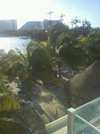 Occidental Costa Cancun: room views