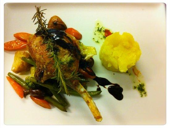 Sam Ratkes Culinarium: Iberico Schwein an Gemüse, mit Rosmarin und getrüffeltem Kartoffelstampf à la Carte