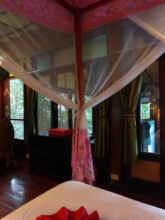 Charm Churee Villa: room