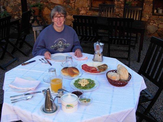 Casa Isaitas: ontbijt onder de patio