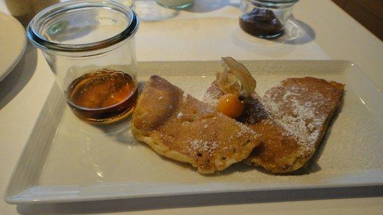 Casa Camper Berlin: 朝食のパンケーキ。その場で焼いてくれます