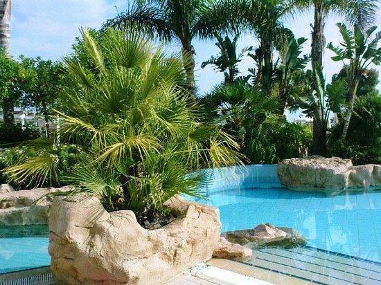 Capo Bay Hotel: Pool 
