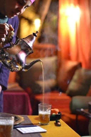 Riad Princesse du Desert: Rajida et le thé à la menthe