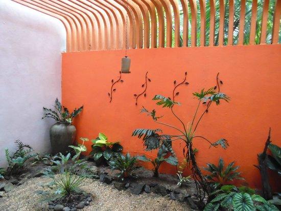 Breeze of Paradise : Indoor Couryard