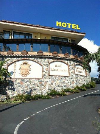 Hotel Ristorante Olimpo: Esterno