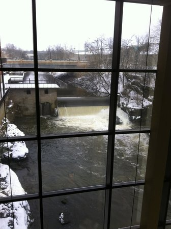 Sheraton Suites Akron Cuyahoga Falls: viewing area of dam