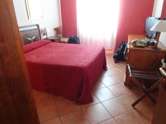 Hotel Kursaal Ausonia: habitacion 1 cama