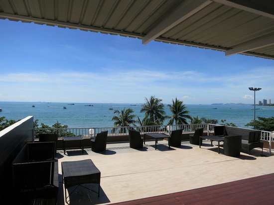 Baywalk Residence Pattaya : Unattended Bar