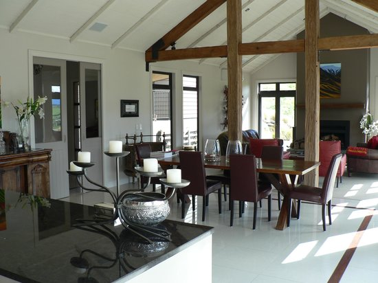 Mt Rosa Lodge: Dining & Lounge area with fantastic views