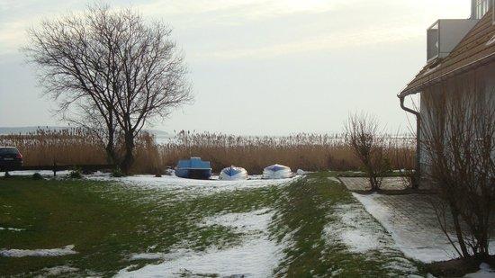 Kapitäns-Häuser Breege: Boddenblick vom Hotelgelände