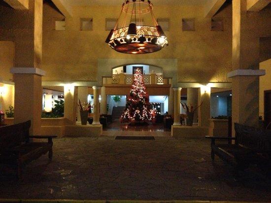 Coral Costa Caribe Resort & Spa: Entrée de l'hôtel