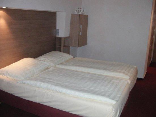 Diehls Hotel : Room
