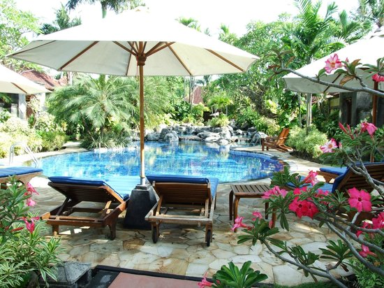 Parigata Villas Resort: Main pool