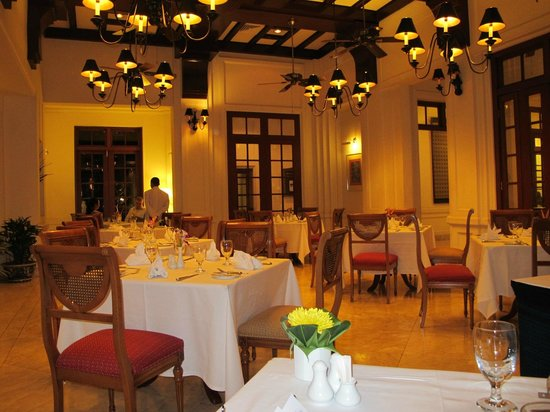 Settha Palace Hotel: dining room
