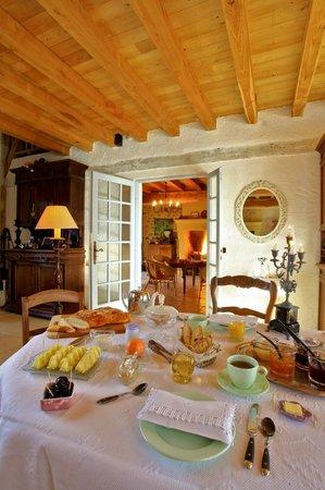 Leone Haute: Petit déjeuner interieur