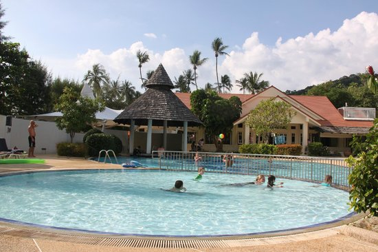 Aonang Villa Resort: Pool area