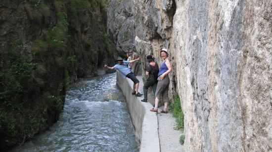 camino en los cahorros altos - Picture of Los Cahorros, Monachil - TripAdvisor