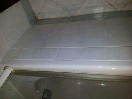 Radisson Blu Resort, Malta St Julian's: il bagno lascia un pò a desiderare