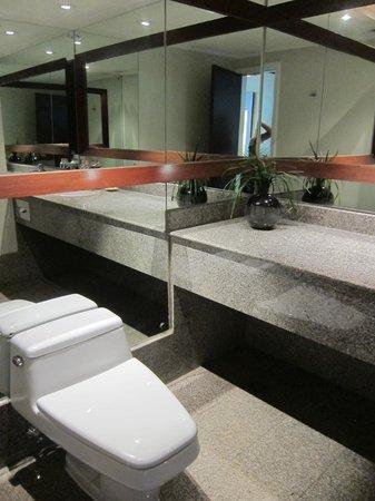 Pullman Bangkok Hotel G: Ванна