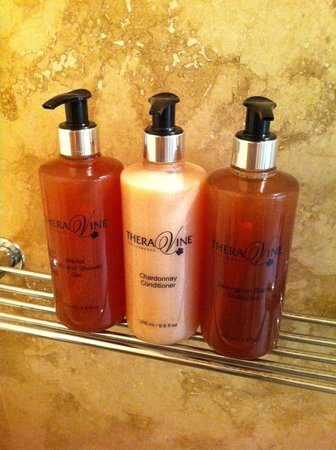 WedgeView Country House & Spa: Love these bath amenities with names of wine grapes