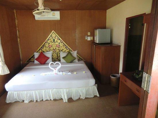 Candle Hut Resort: das Zimmer