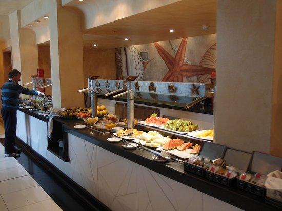 Hotel THe Volcan Lanzarote: Buffet