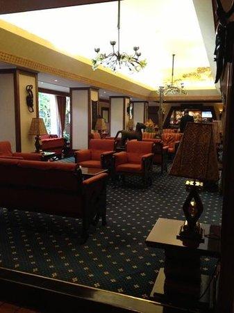 Nairobi Serena Hotel: salotto